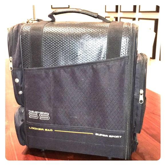 f4f6c51f9f5b Unisex OGIO Locker Gym Bag. M 5a545c023b1608089c0430f7